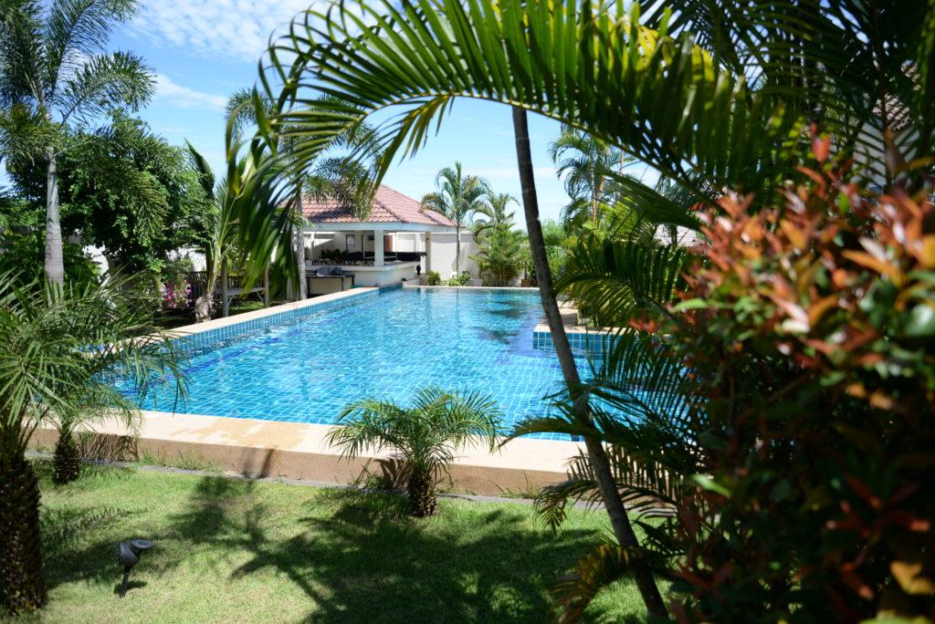 Bangsaray village rent a villa with a pool at bangsaray villa resort